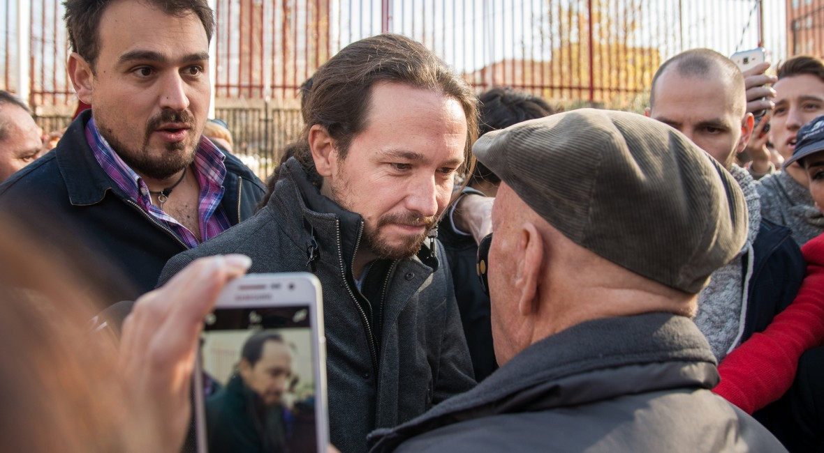 Pablo Iglesias goes to vote in a historic election for Spain / Pablo Iglesias acude a votar en unas elecciones históricas para España / by https://www.flickr.com/photos/popicinio/ Adolfo Lujan, auf Flickr